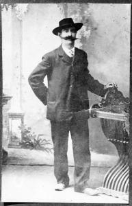 1900, Crescenzo Faraoni