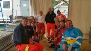 Volontari al campo di Cornillo